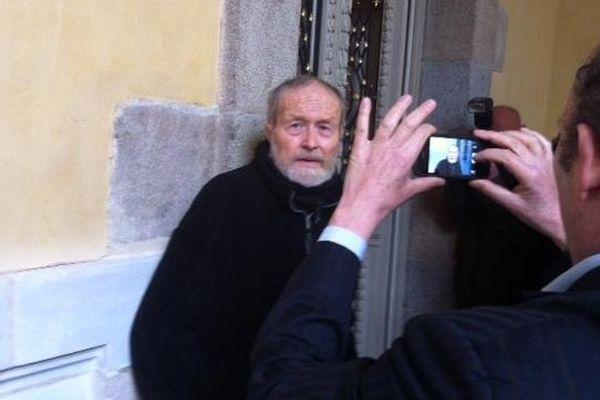 Maurice Agnelet à son arrivée à la Cour d'Assises
