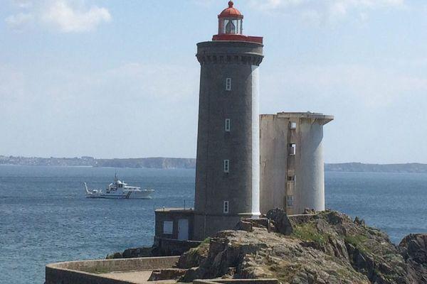 L'André-Malraux, navire scientifique du DRASSM, à la Pointe du Minou