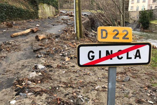 A Gincla, dans l'Aude, la départementale 22 a subi de gros dégâts après le passage de la tempête Gloria. Elle est complètement coupée à la circulation - 5 février 2020