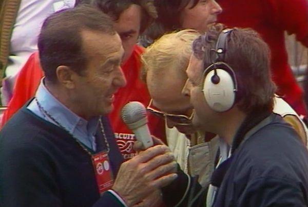 Louison Bobet au micro de Jean-Michel Leulliot à l'arrivée à Roubaix