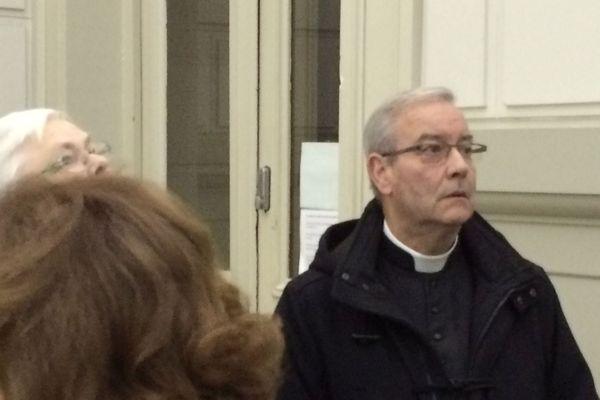 Le père Michel, qui a été longtemps le curé de Thiberville, était jugé pour avoir détourné plus de 100.000 euros sur l'argent de la quête.