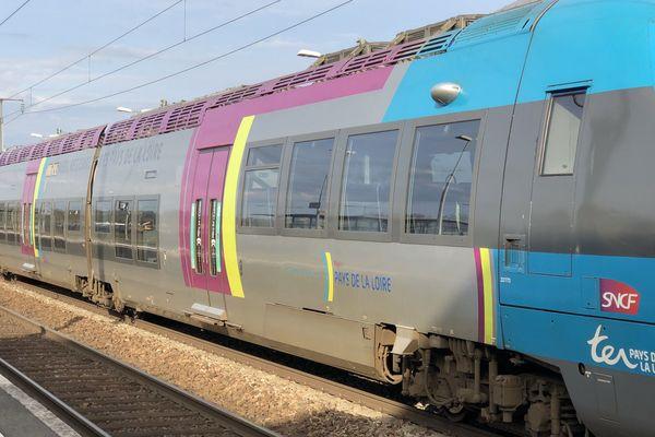 TER en gare de Sablé-sur-Sarthe,12 avril 2018