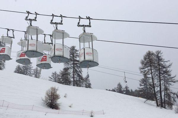 Les cabines télépulsées de Risoul ce matin.