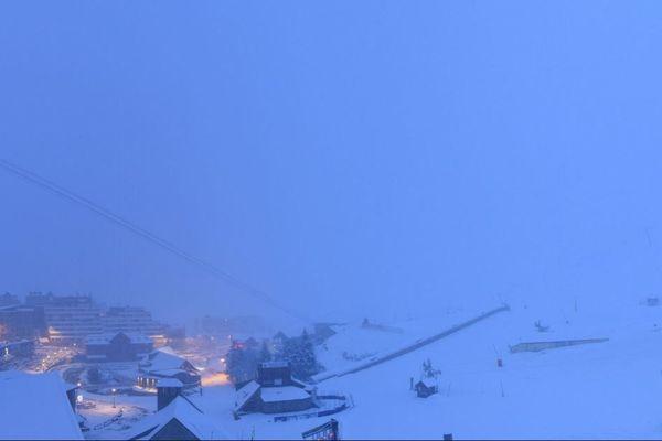 Réveil sous la neige à La Mongie (1500m)