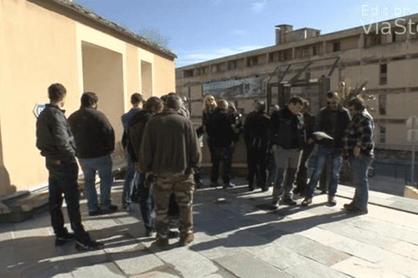 21/02/14 - Fièvre catarrhale ovine: les éleveurs occupent la DDTM à Bastia