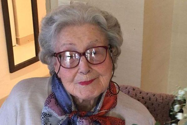"""Geneviève Mazet, surnommée """"Vivette"""", le jour de ses 104 ans dans sa maison de retraite de Montpellier"""