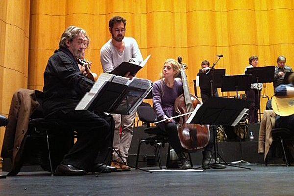 Jordi Savall livre sa version de Jeanne la Pucelle à l'Opéra de Rouen dans le cadre du festival Automne en Normandie.