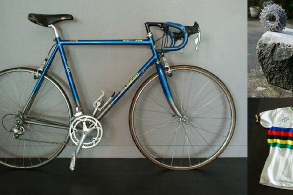"""Un vélo Greg Lemond de Duclos-Lassalle, un maillot de Bernard Hinault, un pavé """"oeuvre d'art""""..."""