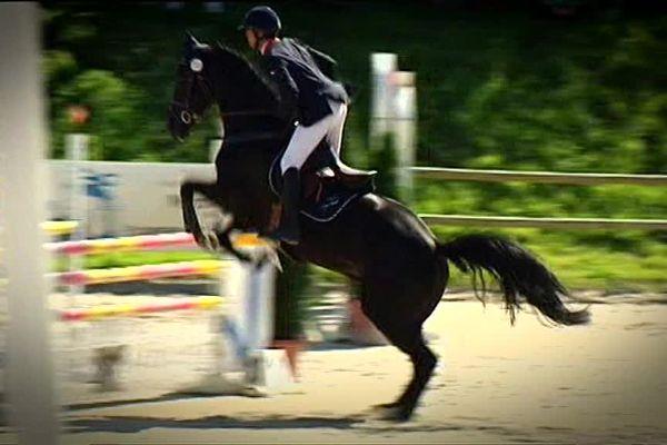 Le cavalier , Karim Florent Laghouag sur son cheval, Entebbe de Hus