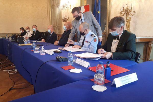 Les différents services de l'Etat ont signé une convention relative à la sécurisation de l'espace scolaire