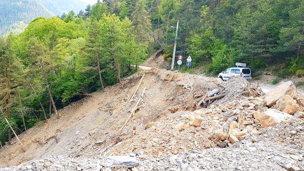 Les stigmates de la tempête Alex sont encore bien visibles  autours du village de Venanson.