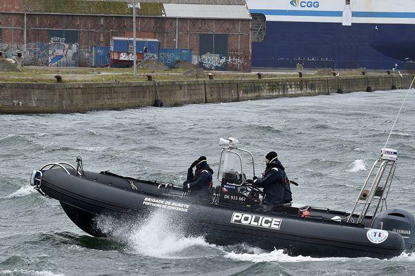 Le pot-aux-roses a été découvert dans le port de Dunkerque.