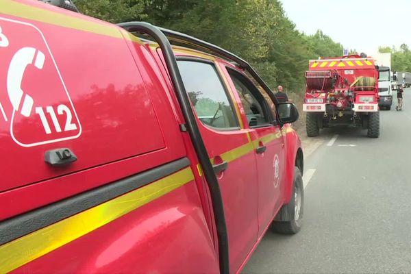 160 pompiers sont encore sur place ce matin. Le travail de surveillance pourrait durer plusieurs jours.