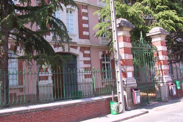 L'entrée du lycée Victor Hugo de Gaillac