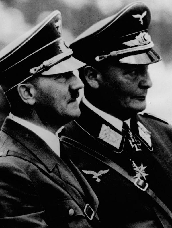 Adolf Hitler et Hermann Göring en juillet 1940.