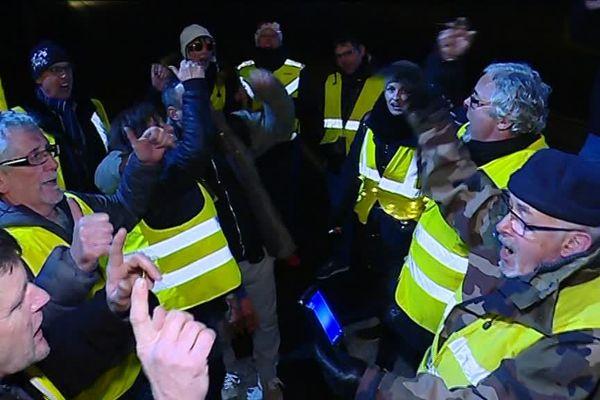 A Vesoul, les gilets jaunes se sont retrouvés sur un rond-point pour fêter la nouvelle année