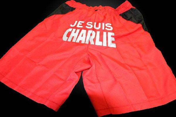 """Le message """"Je suis Charlie"""" sera affiché sur la face arrière des shorts des footballeurs du DFCO en hommage aux victimes de l'attaque meurtrière contre le siège de l'hebdomadaire Charlie Hebdo."""
