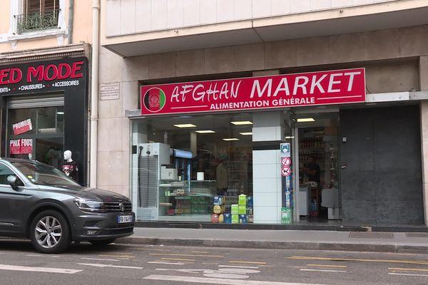 Le commerçant lyonnais gère plusieurs affaires dont une supérette de spécialités afghanes et un restaurant