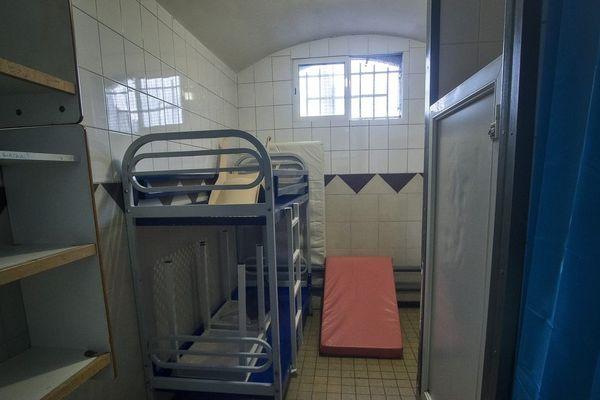 Une cellule de la maison d'arrêt de Béthune.