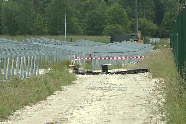 Les huit salariés étaient en charge de monter les structures de ce parc photovoltaïque.