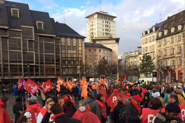 A Strasbourg, les personnels des maisons de retraite ont répondu à l'appel de 7 syndicats pour réclamer de meilleures conditions de travail.
