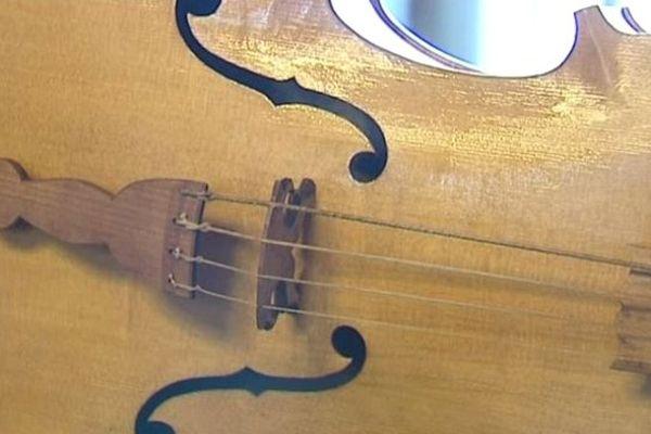 Le violon, vedette depuis douze ans à Luzy (58).
