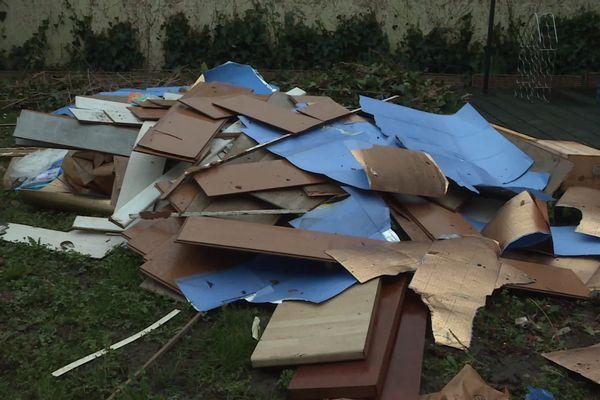 Les déchets jonchent parfois les trottoirs