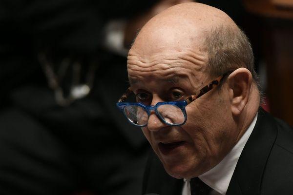 """Le ministre des Affaires étrangères Jean-Yves Le Drian est à l'origine du mouvement """"Territoires de progrès"""", qui se veut être """"une aile gauche affirmée, influente et indépendante de LREM""""."""