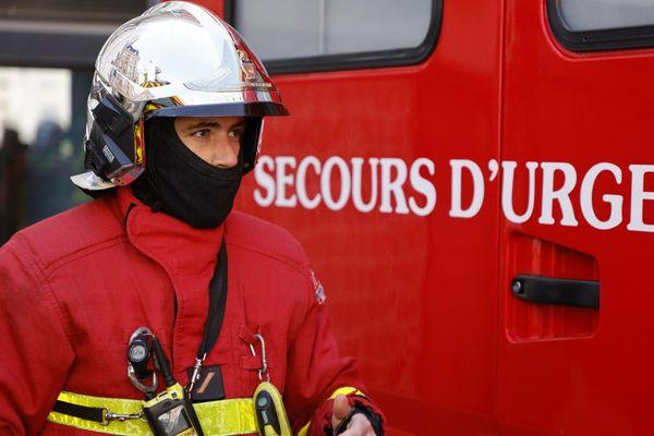 L'immeuble ravagé par les flammes est situé rue Nobel dans le 18e arrondissement de Paris.