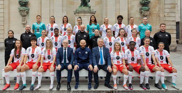 L'équipe féminine de l'ASNL pour la saison 2020-2021.