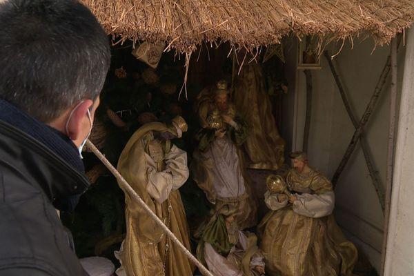 Une crèche de Noël a été installée dans la mairie de Melun.