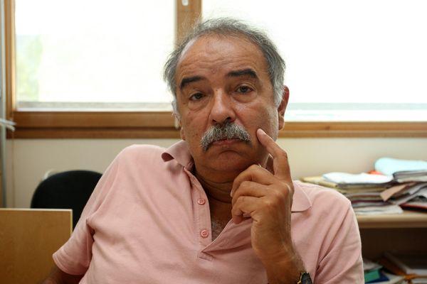 L'expert Daniel Zagury dans son bureau