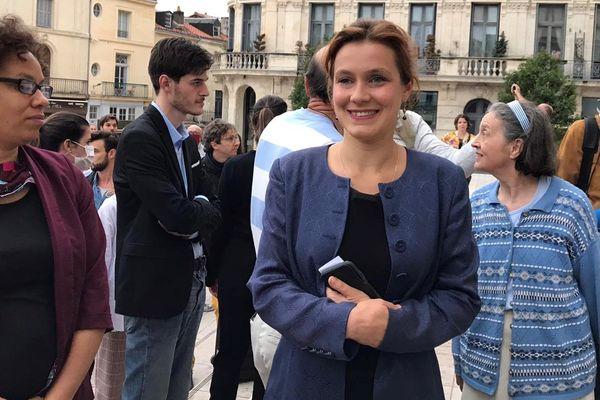 Léonore Moncond'huy, à son arrivé à l'hôtel de ville de Poitiers, le 28 juin 2020, après la proclamation de la victoire de sa liste, Poitiers Collectif.