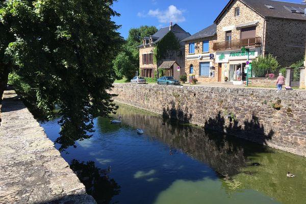 La pharmacie de Sauveterre-de-Rouergue (Aveyron) cherche désespérément un repreneur