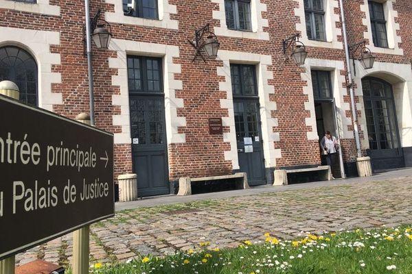 Le tribunal pour enfants de Cambrai.