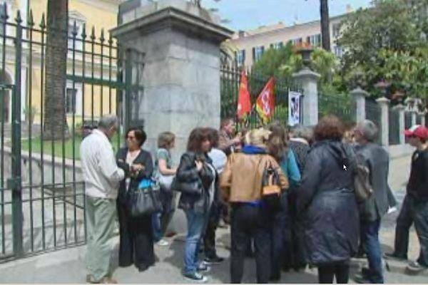 Des grévistes du Centre médico psycho pedagogique d'Ajaccio ont été reçu en préfecture, le 22 mai 2013