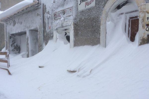 17/01/17 - Le village d'Antisanti (Haute-Corse) sous la neige