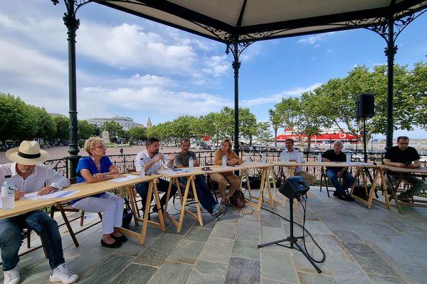 """Le débat """"Mafia ou crime organisé, comment se défendre ?"""" sur la place Saint Nicolas, à Bastia"""