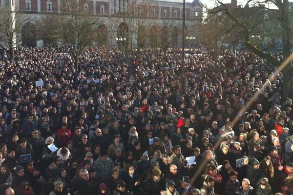 10 000 personnes rassemblées à Blois ce dimanche matin