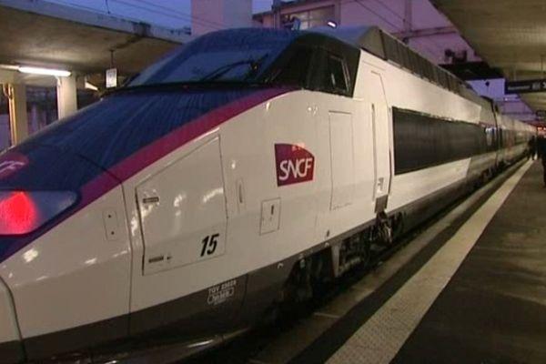 Un TGV Rhin-Rhône le 11 décembre 2011 à Mulhouse