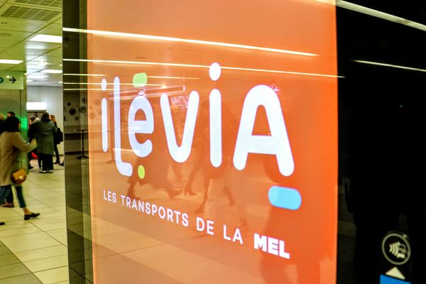 Ilévia a installé de nombreux panneaux publicitaires numériques dans ses espaces.