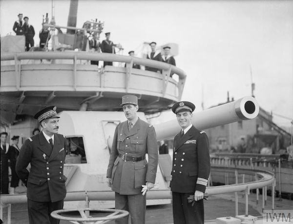 L'amiral Muselier (à gauche), aux côtés du général de Gaulle en 1940.