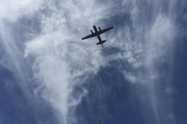 Hommage aérien pendant les obsèques de Cédric de Pierrepont