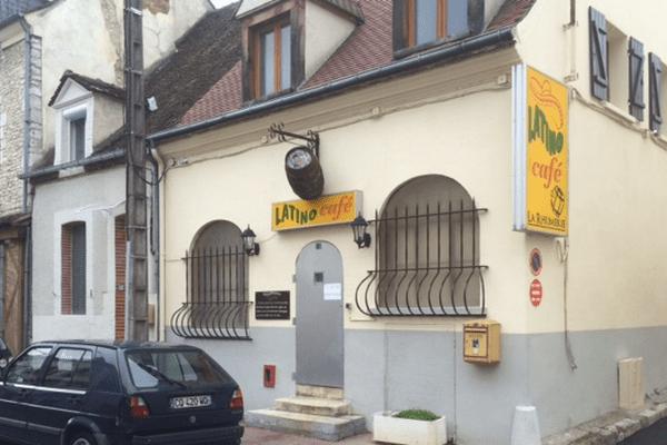 Le videur du Café Latino à Montargis blessé par balle