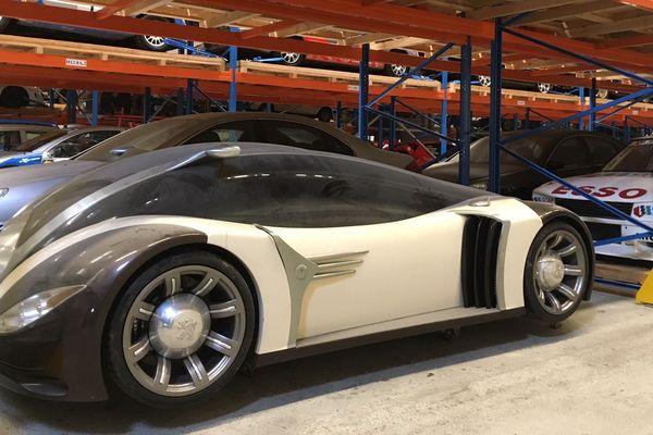 Dans ce coffre à jouets géant il y a de surprenants concept-cars, des modèles uniques !