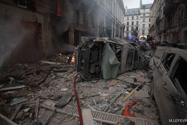 Le début de la rue de Trévise à l'arrivée des Pompiers de Paris.