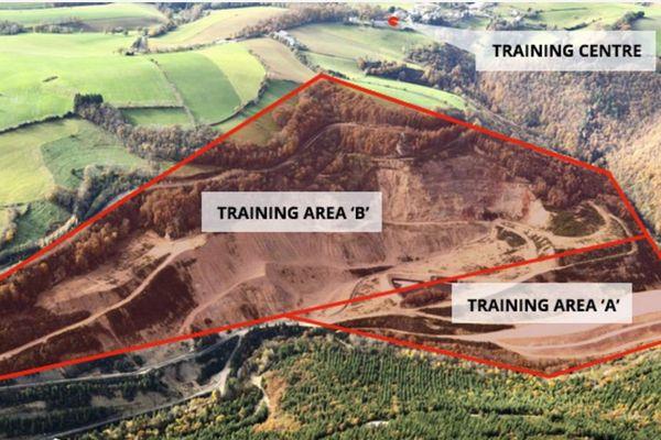 L'ancienne mine de Fluor de Rayssac serait transformée en camp d'entrainement.