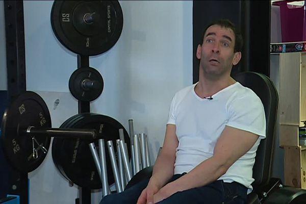 Olivier James est préparateur physique pour les sportifs handicapés et valides.