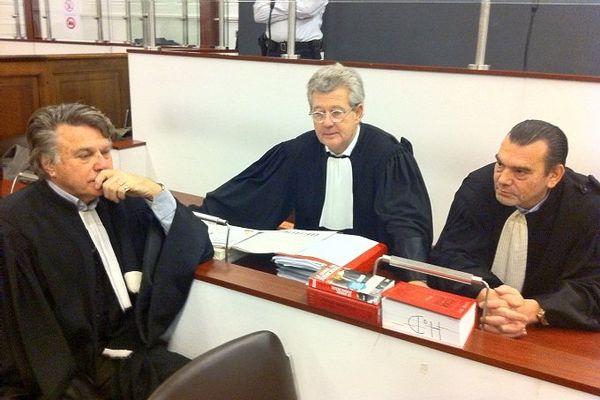Les avocats de la défense et des parties civiles au moment du procés d'assises  de Bourg en Bresse