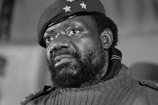 """Le chef rebelle angolais Jonas Savimbi, en juin 1985. C'est un des personnages de l'opus """"Black Ops II"""" de Call of Duty, sorti en 2012, célèbre jeu vidéo édité par Activision Blizzard. Sa famille traîne en justice l'éditeur devant le tribunal de grande instance de Nanterre pour """"atteinte à l'honneur""""."""